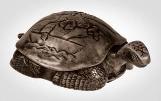 27 - Tortoise 1950 (Pearwood).jpg