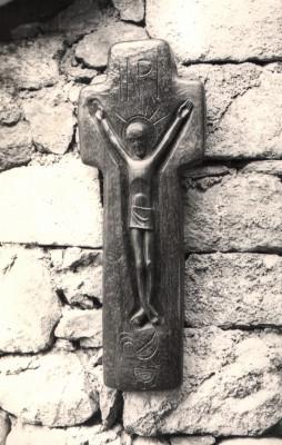 44 - Crucifixion 1955-58 (Wood).jpg