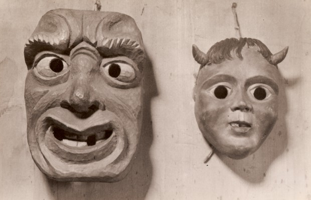 3 - Masks 1946-48 (Pearwood).jpg
