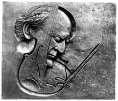 216 - Plaque of Yehudi Menuhin 1998 (Bronze).jpg
